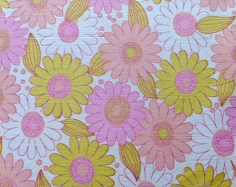 "36"" W x 37"" L Pastel Pink, Peach, and Lime Green Daisies on White"