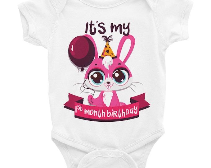 Milestone Onesies, Monthly Milestone Onesie ®  One Month Birthday Milestone Baby Clothes,  Baby Girl Milestone Onesies, Baby Bodysuits, Baby