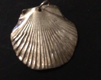 Silver Scallop Shell Pendant