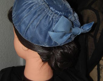 Vintage 1940s 1950s Blue Velvet Calot Half Hat