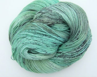 "Hand Dyed Speckled Yarn 100g Superwash Merino Wool/Nylon sock weight ""Daedalus"", turquoise, green"
