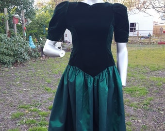 80s Prom Dress, Vintage Bridesmaid Dress, Vintage Dress, 80s Dress, 80s Costume, Green Prom Dress, Green Dress, Velvet Dress, Evening Gown