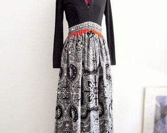 Sale Vintage 1970s I.Magnin Dress.