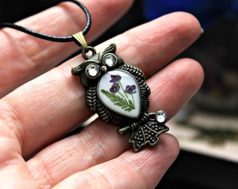 Pendant - an owl with flowers