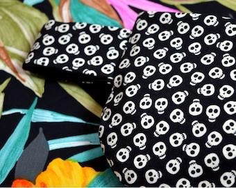 Skull Bag Glows in the Dark