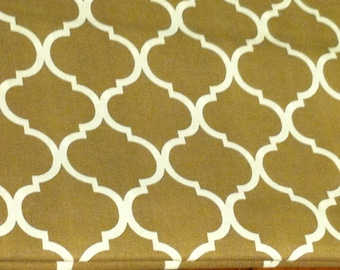 Quatrefoil fabric natural color