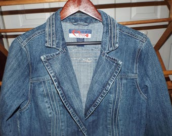 Vintage 1990s Jean Jacket Denim Jean Coat Size 14/16 Women Fashion Denim Jean Jacket
