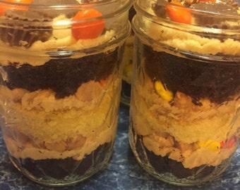 Peanut butter lovers cupcake in a jar - 4oz.