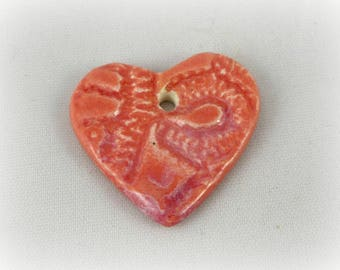 Heart in ceramic fact-hand : lace, pink salmon