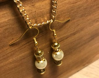 Gold Style Pearl Pearl Earrings - Ornate - Steampunk
