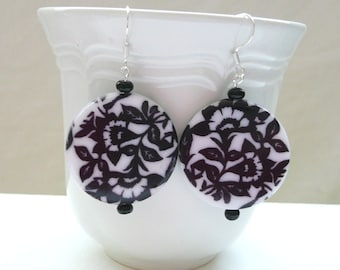 nd-Black and White Floral  Dangle Earrings