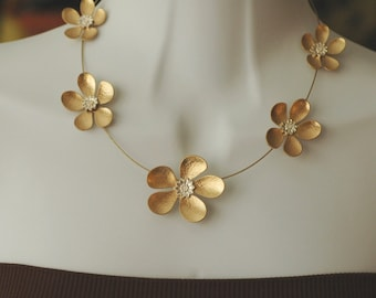 SALE - Flower Necklace, Gold metal flower Necklace, Flower and Gold Wire Necklace, Gift for her, short necklace