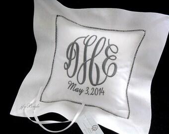Ring bearer pillow White Irish linen Personalized embroidered monogram wedding ring pillow Linen monogram ring pillow jfyBride Style 5211