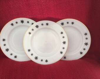 """Pyrex JAJ Gaiety Black Snowflake Tea Plates 6.5"""""""