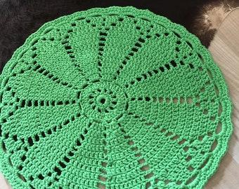 Crocheted rug apple green