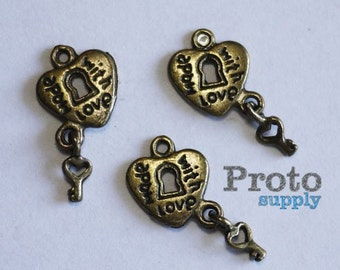 Antique Bronze Made With Love Heart Lock and Key Charms 5 pcs (0531)