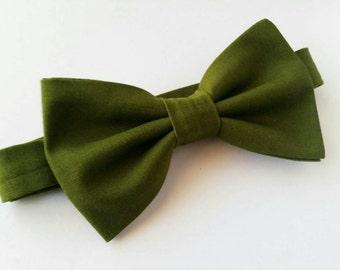 Dark Green Bowtie / Green Bowtie / Moss Green Bowtie / Wedding Bowtie / Olive Green Bowtie / Toddler Bowtie / Newborn Bowtie / Kids Bowtie