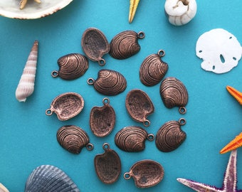Antique Copper Clam Shell Charms, 15x22mm, 2pcs / Nunn Designs, Star Fish Pendants, Nautical, Beach Charms, Sea Shell, Jewelry Supplies