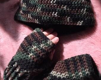 CAMO,  Beanie & Fingerless Gloves Matching Set