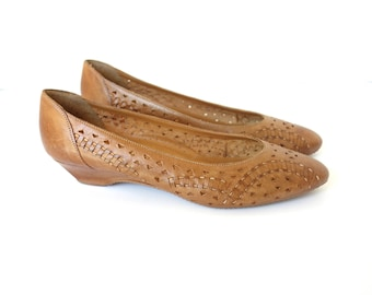 Vintage 80s Brown Leather Pointed Toe Woven Leather Flats, The Leather Collection, Size 6