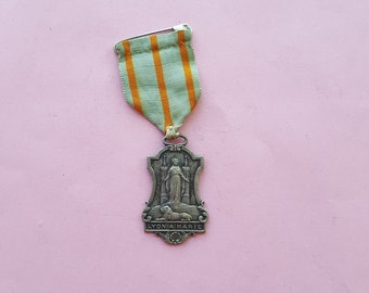 Religious silvered catholic medal pendant, holy charm of Virgin Mary, Our Lady of Lyon, Virgin Mary with Lion at her Feet, Lyon a Marie.