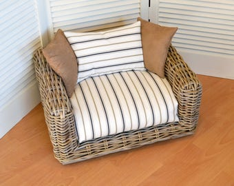 Willow Dog Bed - Willow Cat Bed - Wicker Dog bed - Wicker Cat Bed - Cat Bed - Dog Bed - Luxury Dog Bed - Luxury Cat Bed - Raised Dog Bed