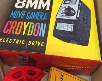 Vintage Cryodon 8 MM Movie Camera Like New with Book in Box