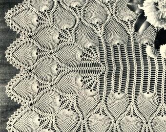 1940's Pineapple Crochet Table Runner Pattern, Heirloom Pattern