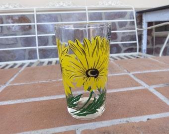 vintage peanut butter glass daisy yellow boscul 1950's kitsch retro glassware