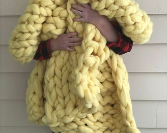 Easter colour Lemon Merino Wool Chunky Knit Blanket