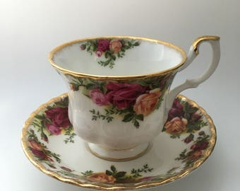 Vintage Bone China Royal Albert Old Country Roses Tea Cup and Saucer