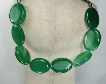 Green gemstone necklace, Antique gold chain and Jade stone necklace, Bright Green necklace, Gemstone necklace, Choker necklace