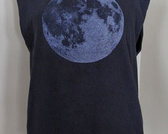 Full Moon Screenprinted Cropped Tank - Black