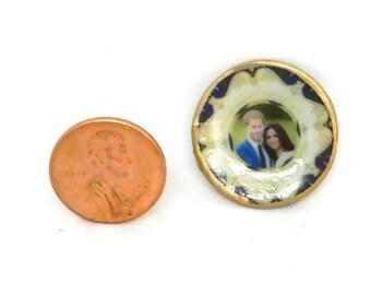 DOLLHOUSE MINIATURE - Harry and Megan Commemorative Plate 2