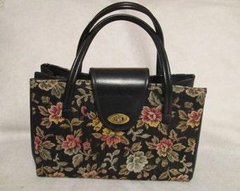 1960's Ladies Large Floral TAPESTRY Style HANDBAG------- No Label
