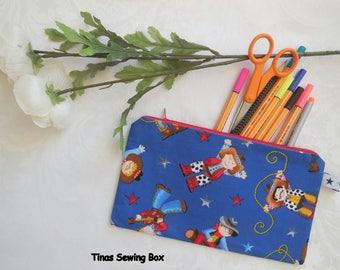 Pencil case cowboys, Small Zipper Pouch, Organizer for school