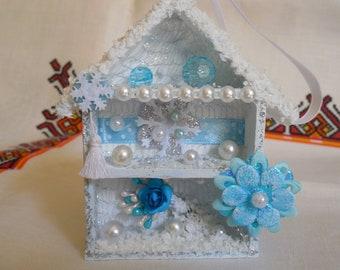 Christmas ornament. Christmas tree ornament. Mini shadow box.