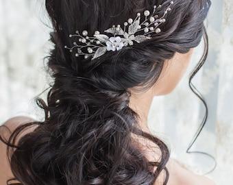 Bridal hair comb  Bridal pearl headpiece  Bridal hair piece  Crystal leaf hair comb Wedding hair comb Leaf headpiece Leaf hair piece