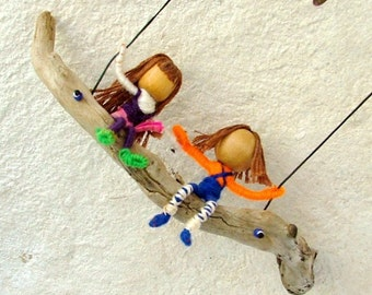 Best friends forever - Two kids swinging mobile - natural mobile baby crib mobile earthy room decor