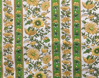 Cotton Fabric / Green Floral Fabric / Yellow Floral Fabric / Retro Floral Fabric / Yellow and Green Fabric / Vintage Floral Fabric