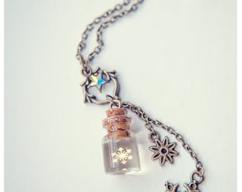 Golden Snowflake necklace,glass Bottle Necklace.christmas gift,snowflake bottle pendant, winter jewelry, Christmas necklace gift for her