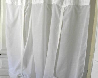 Curtain SHEER * Shabby chic * Vintage, handmade, white, lace, ribbons