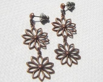 Vintage Copper Daisy Dangle Pierced Earrings - Mod Flower, Copper Flower, Post Earrings, Dangly Flower, Two Daisies,