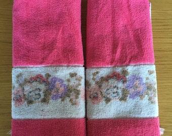 Dark pink vintage hand towel set. Vintage towels, vintage hand towels.