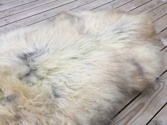 Large and lush sheepskin rug soft, volumous throw sheep skin long haired Norwegian pelt natural golden grey 18050