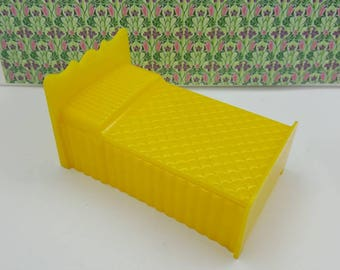 Superior T Cohn  bed Doll House Toy Hard Plastic  yellow