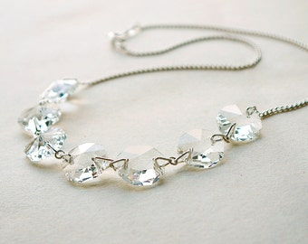 Collier. Argent. Crystal. Lustre. Gin Fizz.