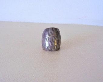 Vintage Silver Bold Ring Sz 6