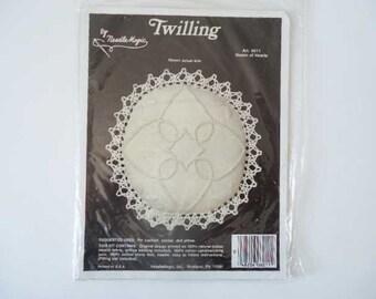 New Twilling Kit Needlework Pin Cushion Sachet
