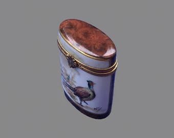 Limoges Porcelain Pill Box; Vintage Trinket box; White vintage box; French hand painted box with bird decoration; Gift idea; Gift for her